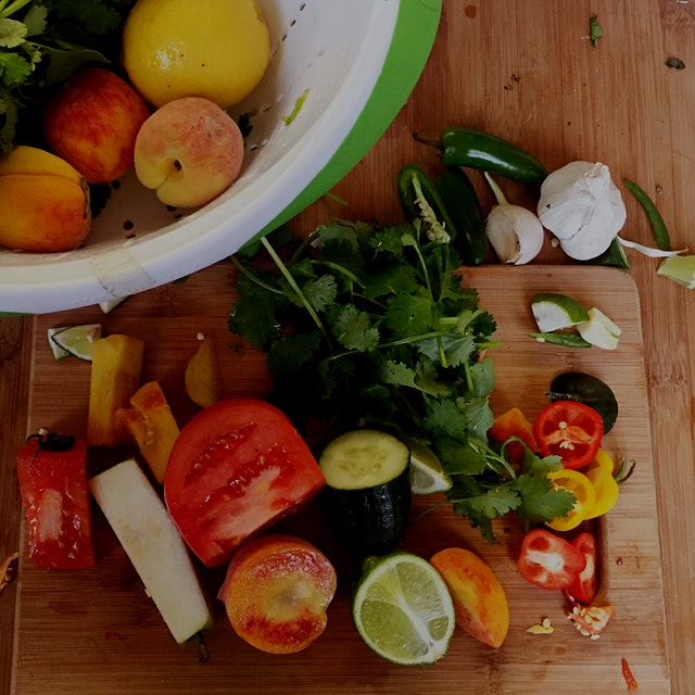 Teaching kids how to cook! #FoodRevolution #edibleeducation
