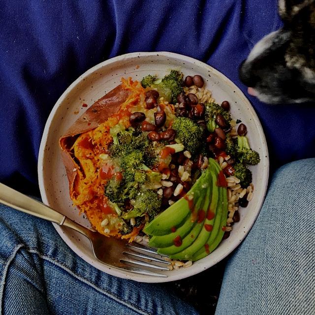 Broccoli, black beans, farro, avocado, green salsa