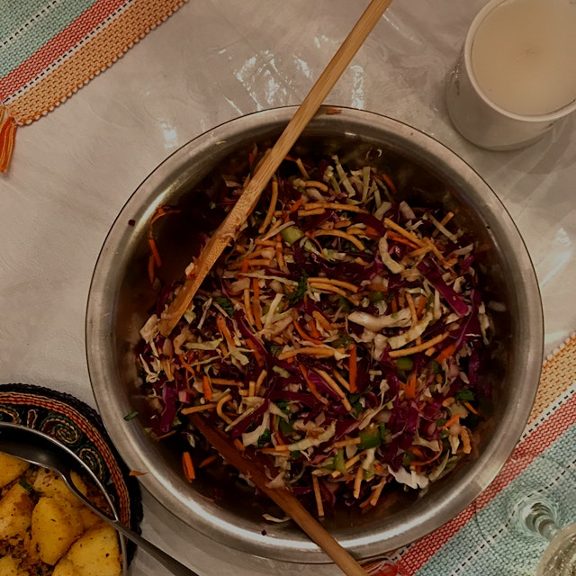 Green cabbage, red cabbage, carrots, onions, coriander, jalapeño, wonton noodles m, garlic chili ...