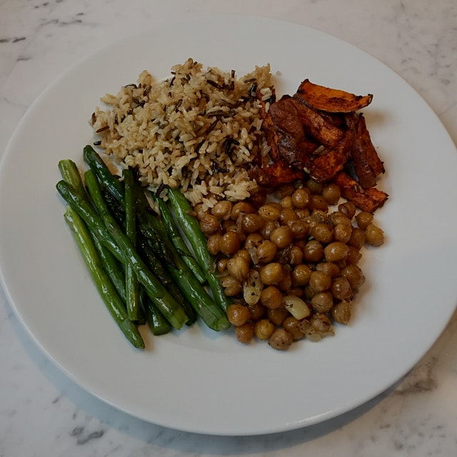 Recipes for the sweet potato fries and fennel roasted garbanzo beans are on the Anne food blog, p...