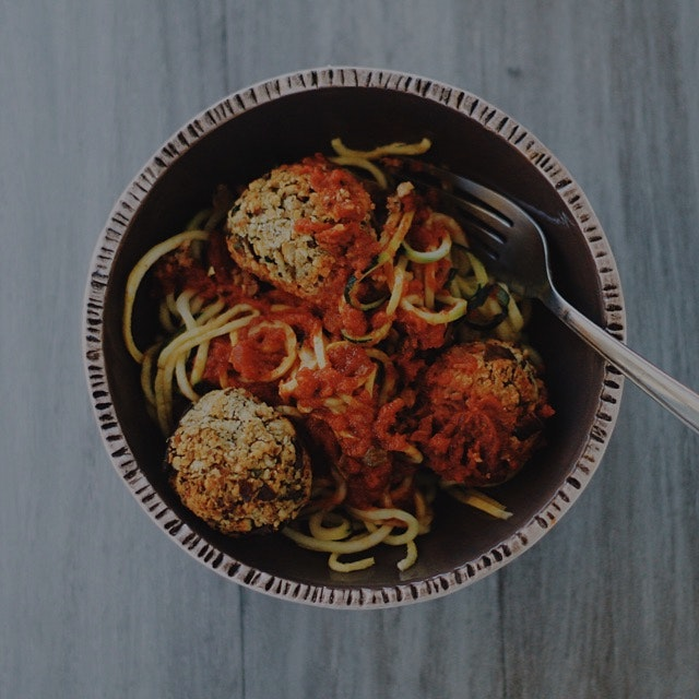 A vegan twist on the class spaghetti and meatballs 🍝