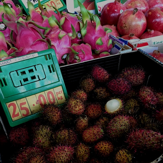 Love all the tropical fruits on offer too!