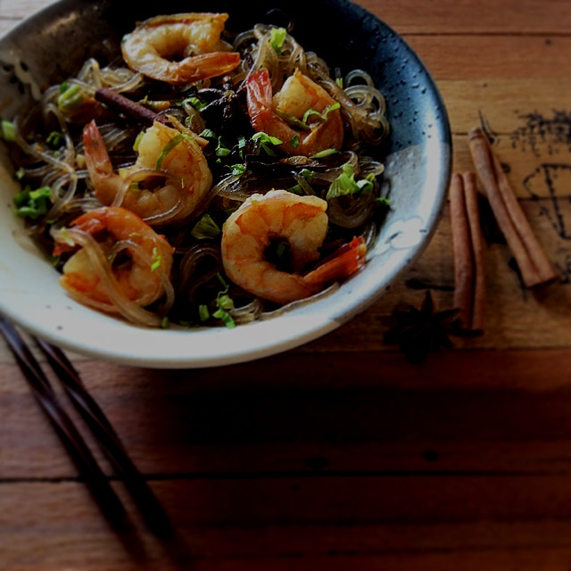 Found a fab recipe in the new Simply Nigella cookbook. Thai noodles with Shrimp and Cinnamon. I u...