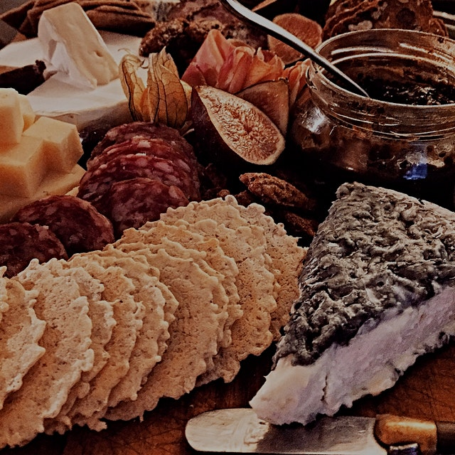 'Cuz everything is better with a cheese board!!