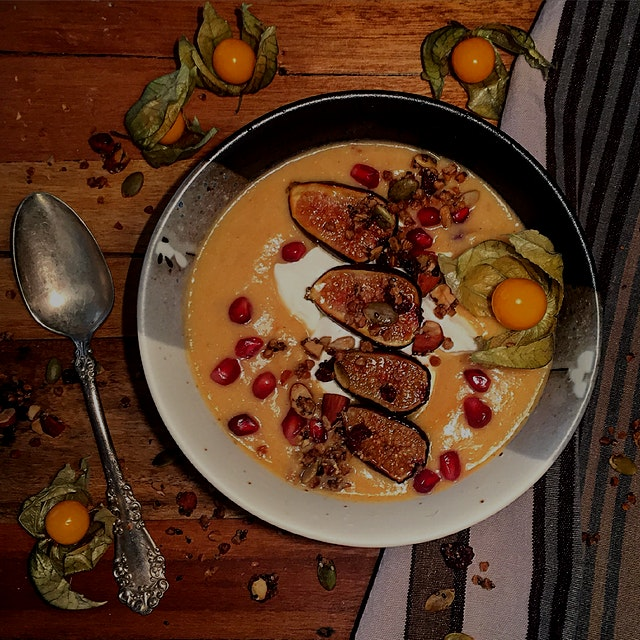Papaya and Peach Pureed Porridge with Pomegranates and Pfigs (hehe) Say that 10 times fast! Cream...