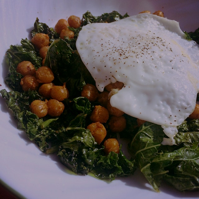 Fried Egg over Sautéed Kale and Chickpeas #leftovers