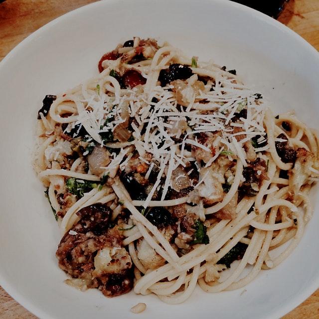 Finally gluten free pasta worth the surcharge #schar #bontad'italia  Cauliflower,capers,  kalamat...