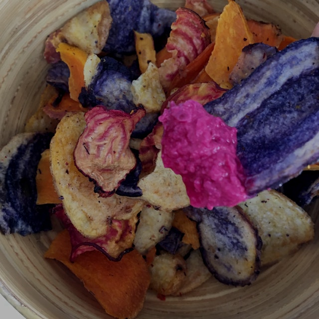 Colorful potato & beet chips to dip into horseradish beet hummus. Yum!