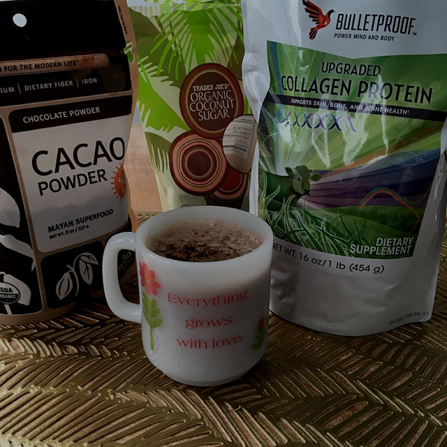 😍 love hot cocoa with collagen (loaded with protein and great for skin, joints and bones)