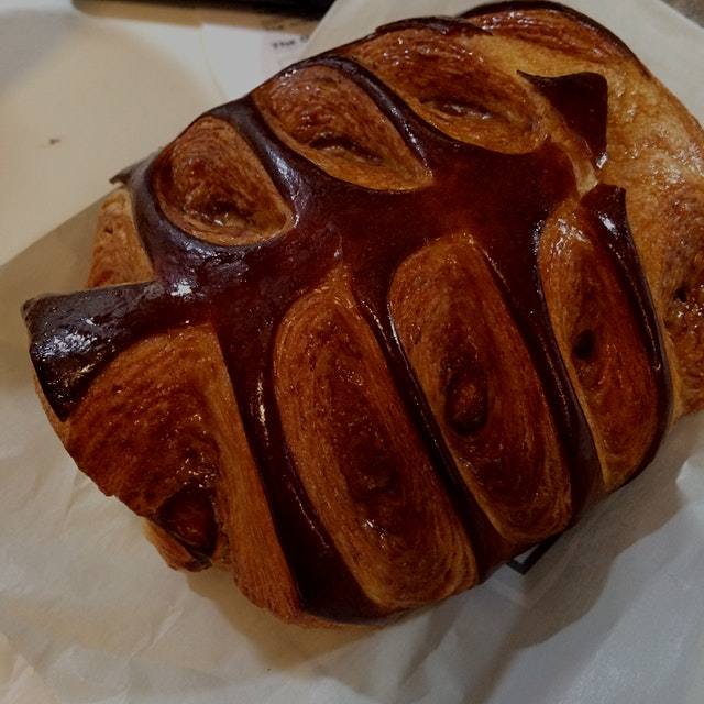 Eating at your desk takes a pretty turn with this Nutella filled take on pain au chocolat. The sl...