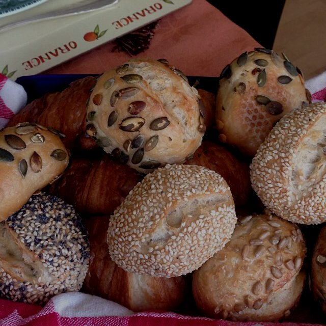 Good morning with seedy bread. :)