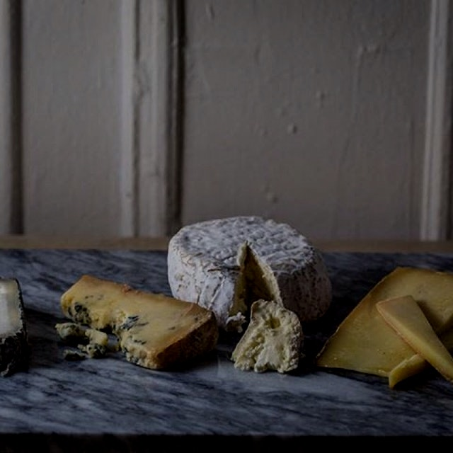 How do you store your #cheese? Get the D/L on natural materials that help cheese thrive.