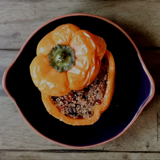Quinoa & Mushroom stuffed peppers. A perfect lunch or side! Vegan, gluten-free. On the blog.