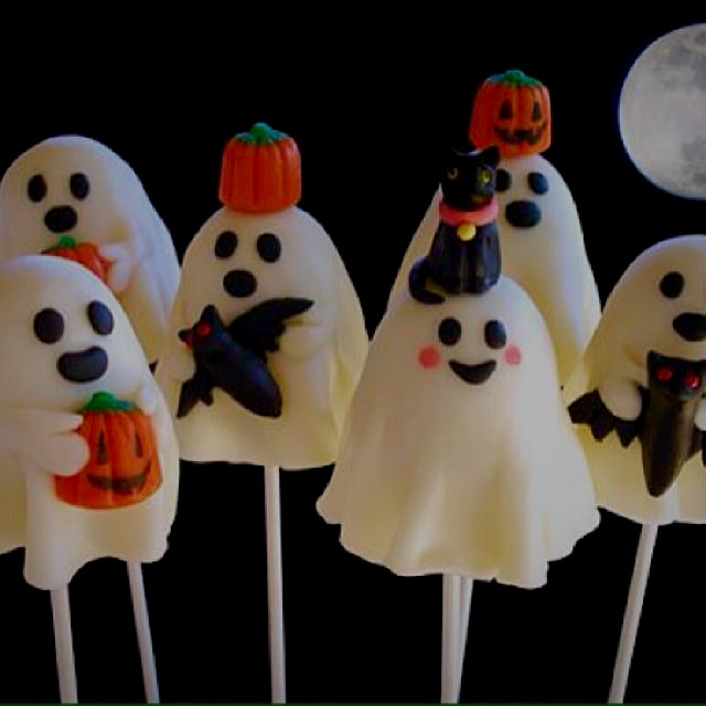 Save $10! Now through October 12 when you join my website www.CraftyBaking.com! Try the Ghostly B...
