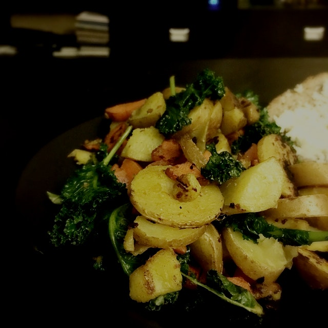 I was feeling pretty sick, but a fresh dinner using fingerling potatoes actually is pretty quick ...