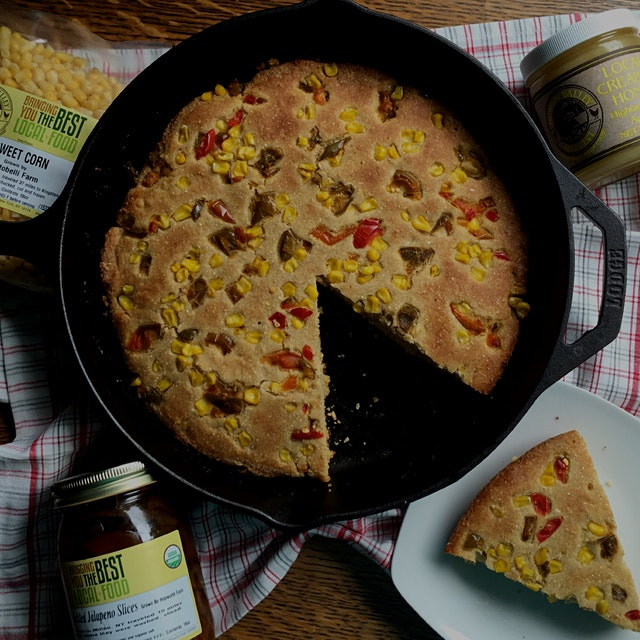 Jalapeño skillet cornbread made with local ingredients  #FoodRevolution