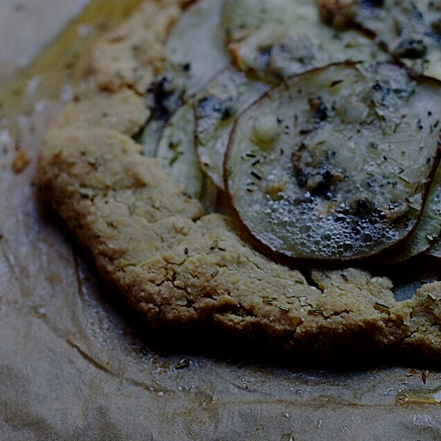 Potato & Gorgonzola Cornbread galette (gluten-free and vegetarian) on the blog http://bit.ly/1sVk5r4