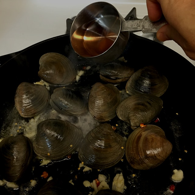 Littleneck clams, from Milford CT