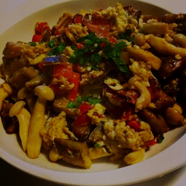 Beautiful breakfast scramble today. So much flavor, such simple ingredients. It's the treat of a ...