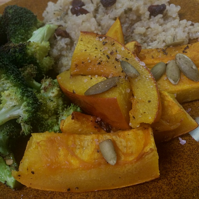 Roasted pumpkin and broccoli with quinoa, raisins, and thyme