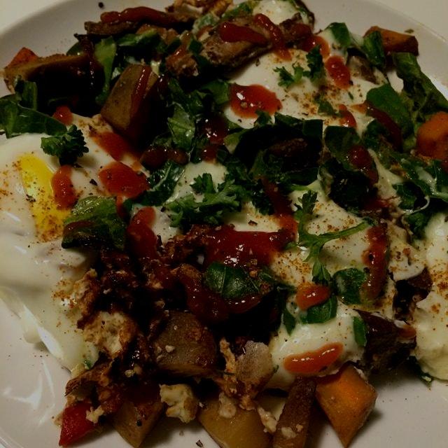 Eggs with roasted vegetables and mushrooms. #jerf #breakfast #slowfood #homecookingiswheretheheartis