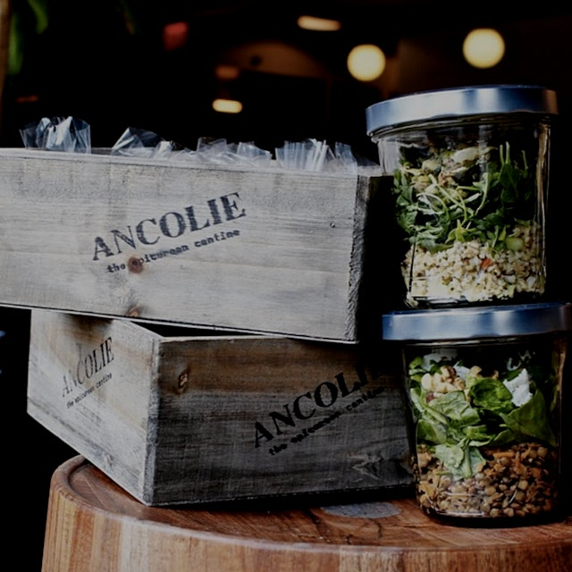 This is truly a #NoFoodWaste salad restaurant in NY.