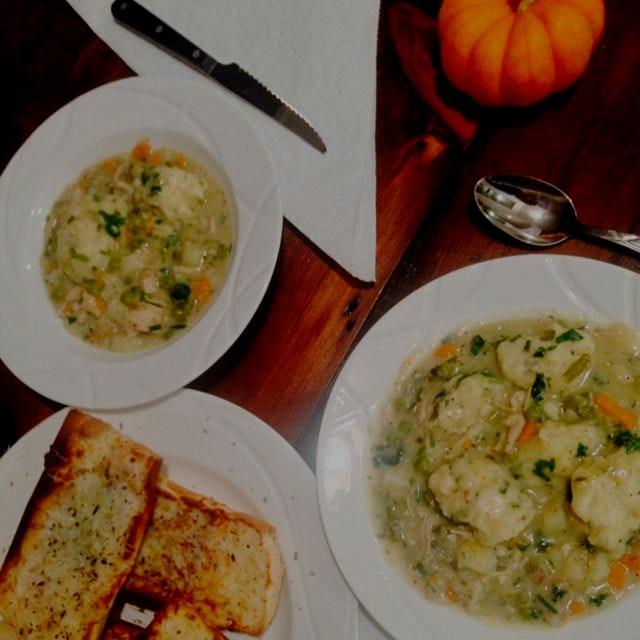 Chicken pot pie soup with buttermilk chive dumplings #ilovefallmeals