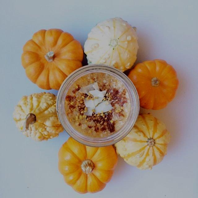 Pumpkin chai spice smoothie. Happy Halloween! :)
