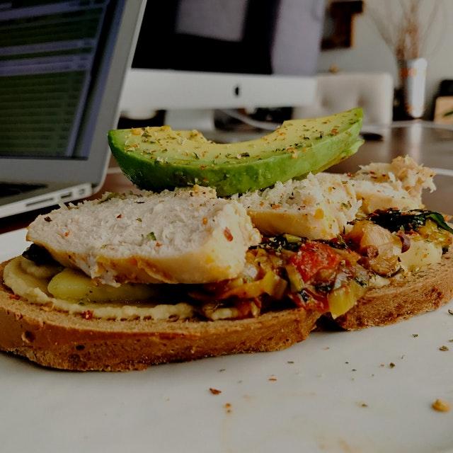My sandwich was the perfect veggie-packed meal. Hummus, avocado, stewed spinach, leeks, mushrooms...