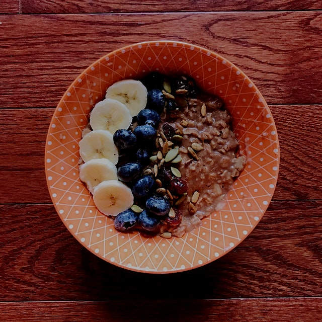 My 2018 resolution is pledging to be vegan. Here was my very first breakfast of the year: healthy...