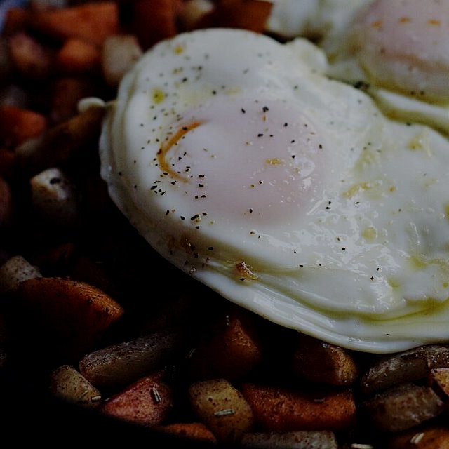 Sweet cinnamon root vegetable hash topped with a fried egg! Recipe on the blog- Foodbymars.com