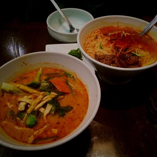 Some vegan noodle soup, with a soup on da side...