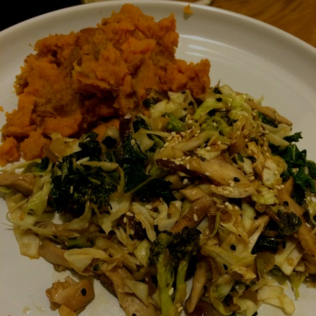 Easy vegan Asian- inspired dish here. Fresh and homemade :) #dinner #slowfood #homecookingiswhere...