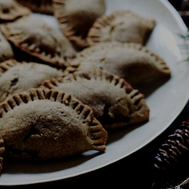 Black Bean-Squash Buckwheat Empanadas on the blog! Gluten-free and Vegan! http://bit.ly/1yJ8BdF