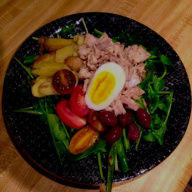 Salade Niçoise w/ olive oil poached tuna