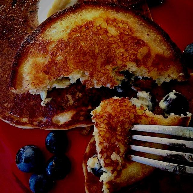 Sunday morning gluten-free blueberry pancakes!