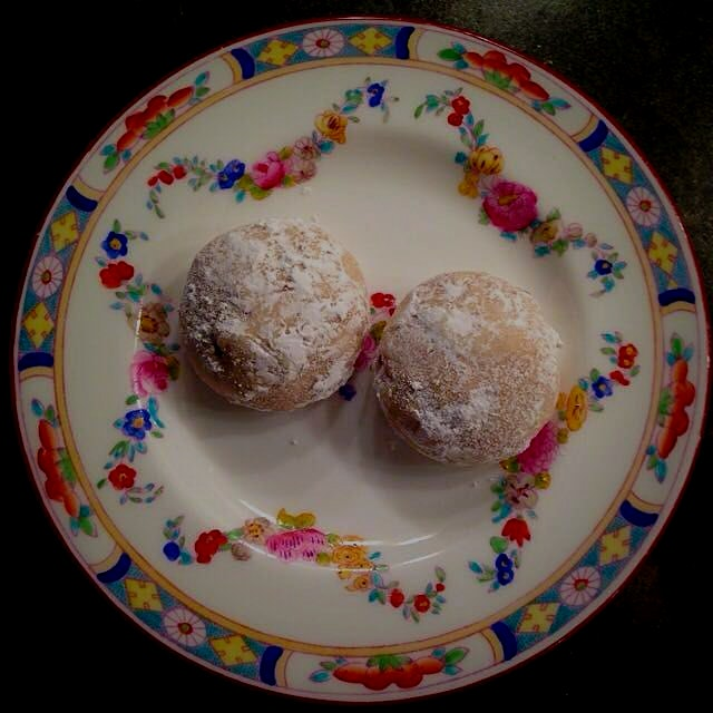 Mom's snowy cookies -- for breakfast!