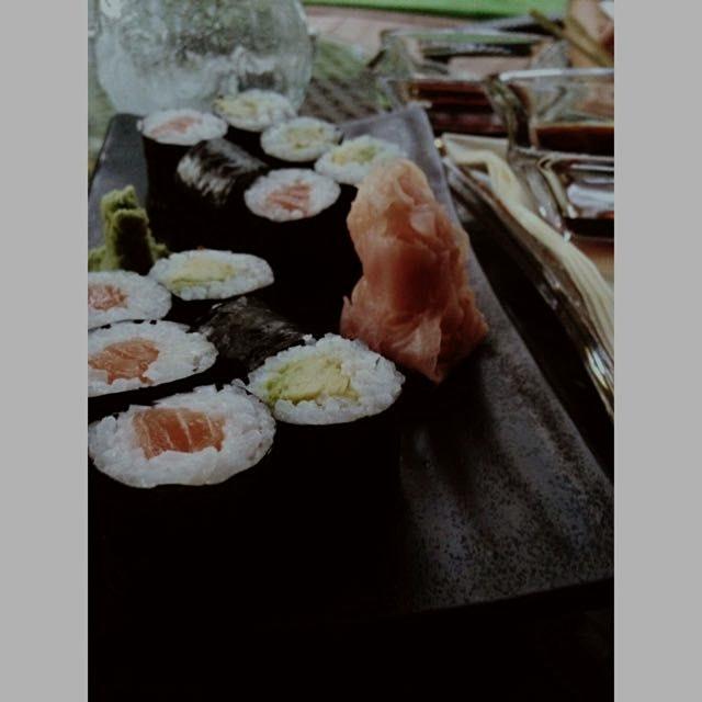 avocado&salmon maki #FOODPEEPS