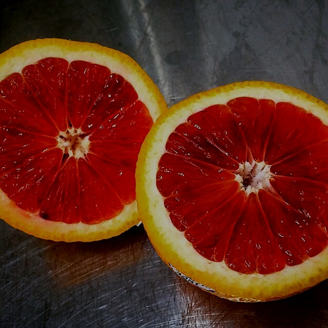 'Tis the season for all things citrus! Love me some Blood Oranges!