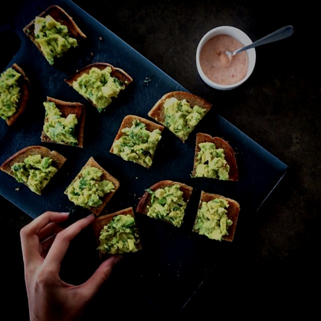 Nice & easy - spiced Avo Toasties to kick off the first Meatless Monday of 2015!