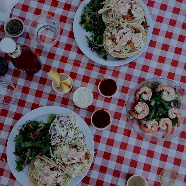 Is it me, or does everything taste better on a red checkered table cloth?! Fish tacos and shrimp ...