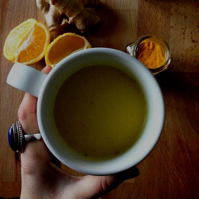 Vegan turmeric milk with a little twist, and I'm thinkin I can totally dig it 😉