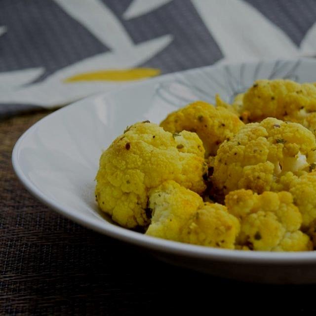 Turmeric Roasted Cauliflower...a powerhouse of disease fighting nutrition! 💪 Recipe is on the lin...