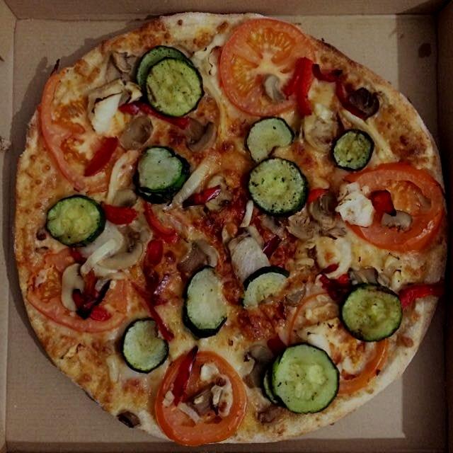 Yummy veggie pizza!