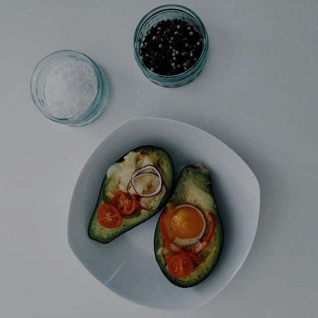baked avocado boats👌