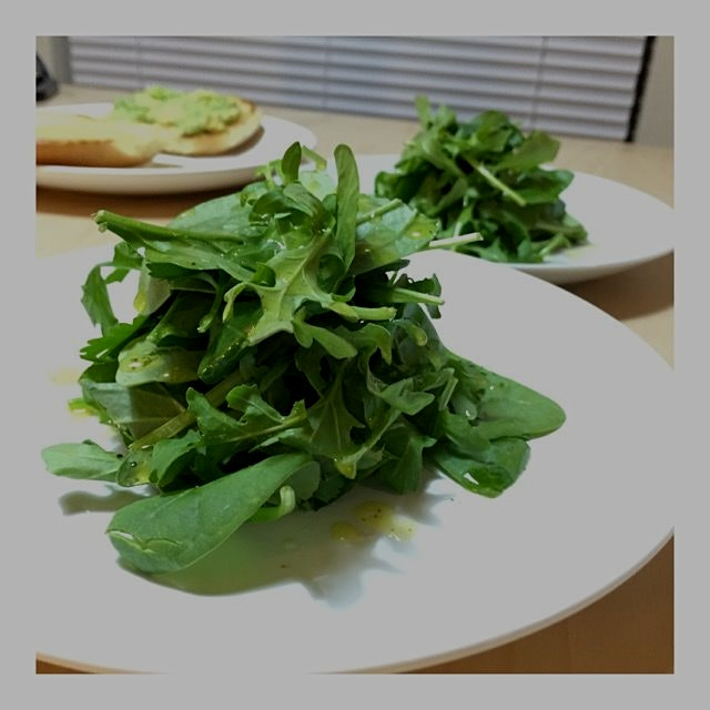 #meatlessmondays #organic #greens #simple #vegan #homemadedressing #ATX #austinfoodstagram #atxfo...