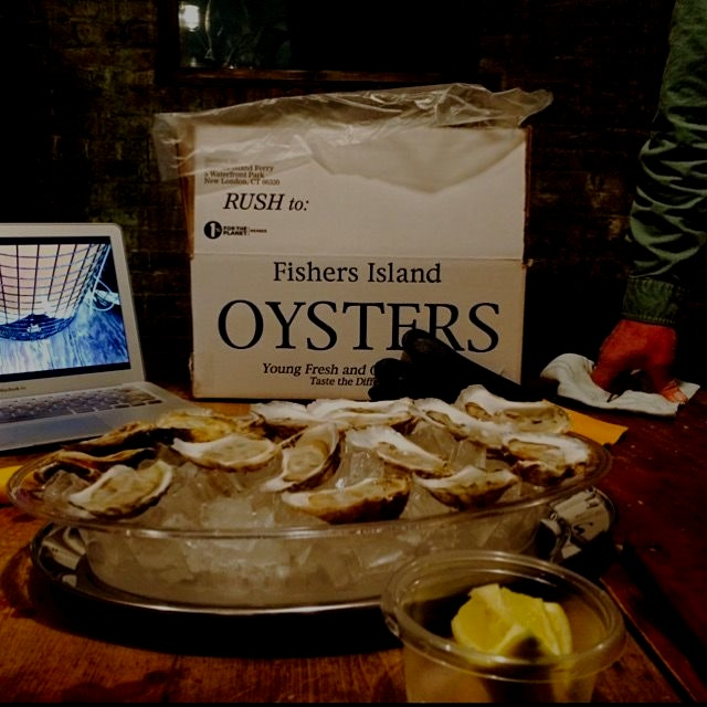 Eastern oysters By @fishersislandoysters! #foodstandspotlight