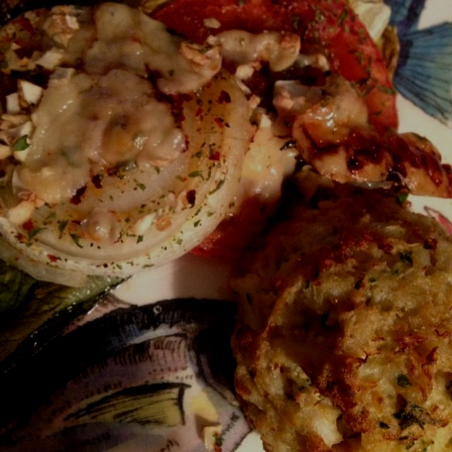 Roasted garlic parmesan onion and tomato with lump crab cake!