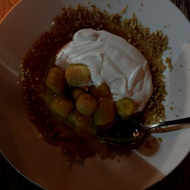 And dessert. Caramelized bananas, dulce de leche, cookie crumbles and fresh cream