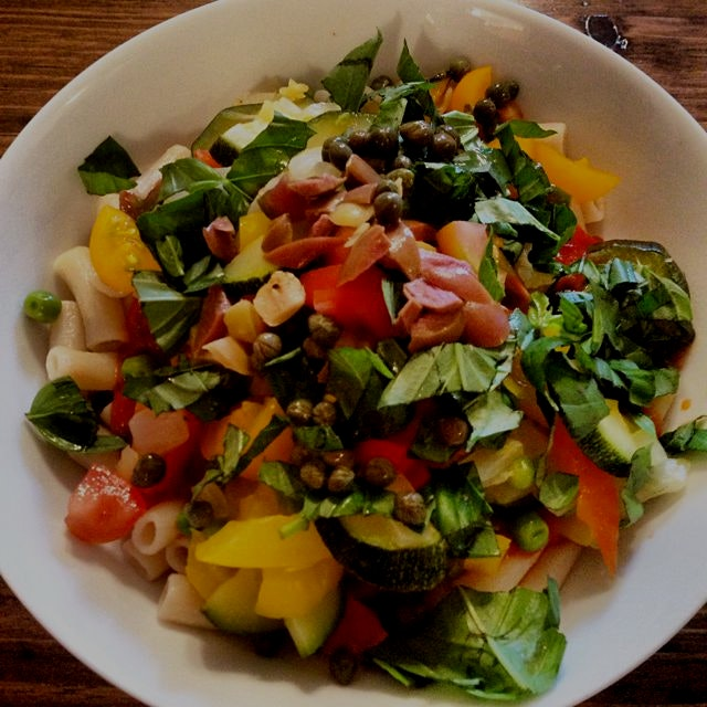 Farmers market pasta primavera (#glutenfree brown rice pasta & #vegan marinara) @77thstreetgreenm...
